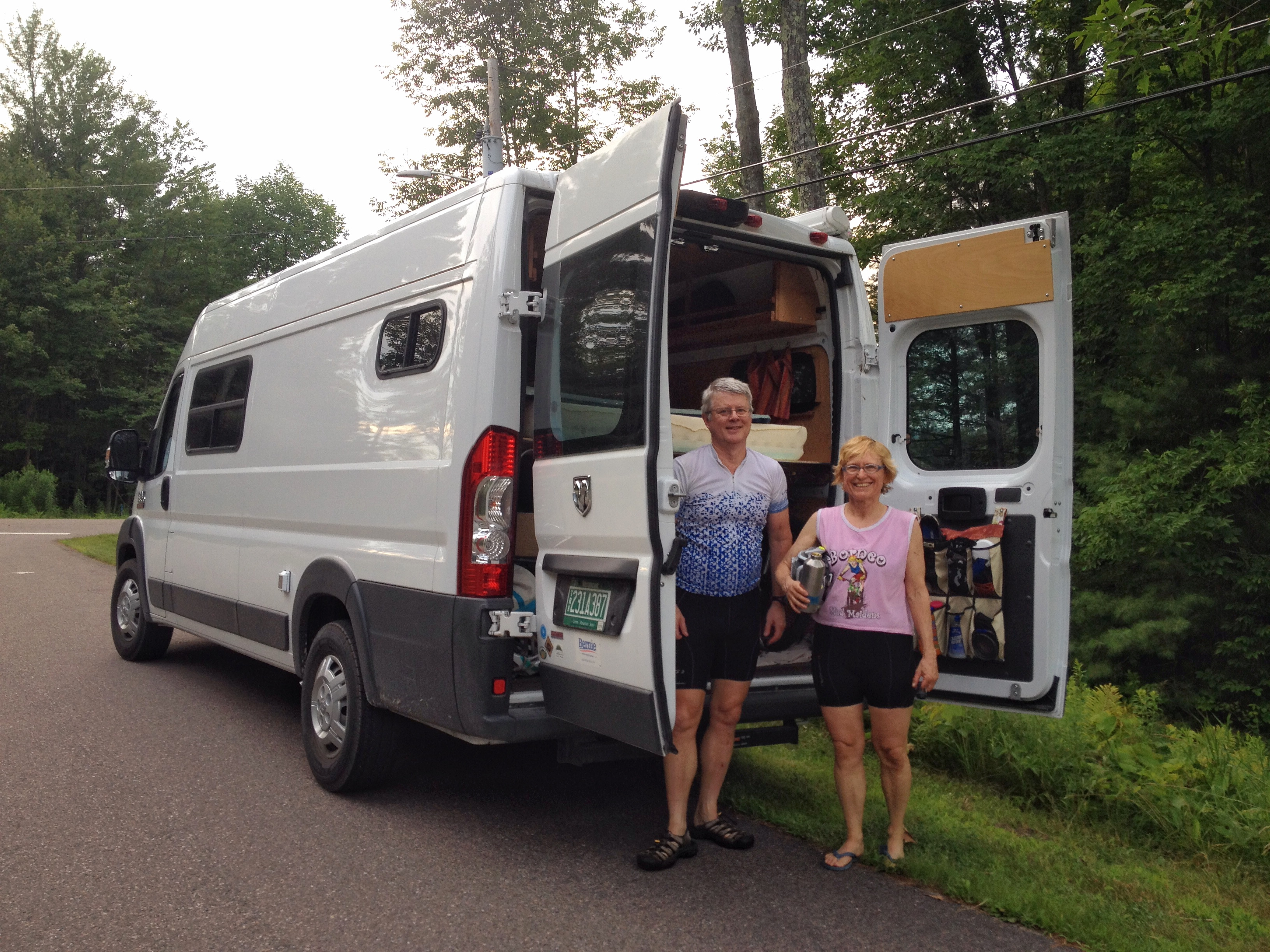Tom and Cyn with their soon to be home on wheels, Frosty. (©Britt Nielsen)